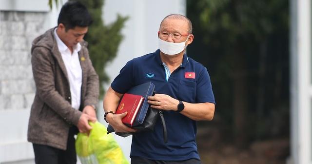 VFF phủ nhận chuyện giảm lương HLV Park Hang Seo - 1