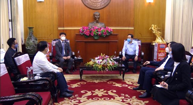 Tập đoàn Tân Á Đại Thành tặng 300 máy lọc nước cho các khu cách ly ở Hà Nội - 2