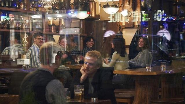 Thụy Điển gây tranh cãi về chiến lược chống dịch Covid-19 khác người - 2