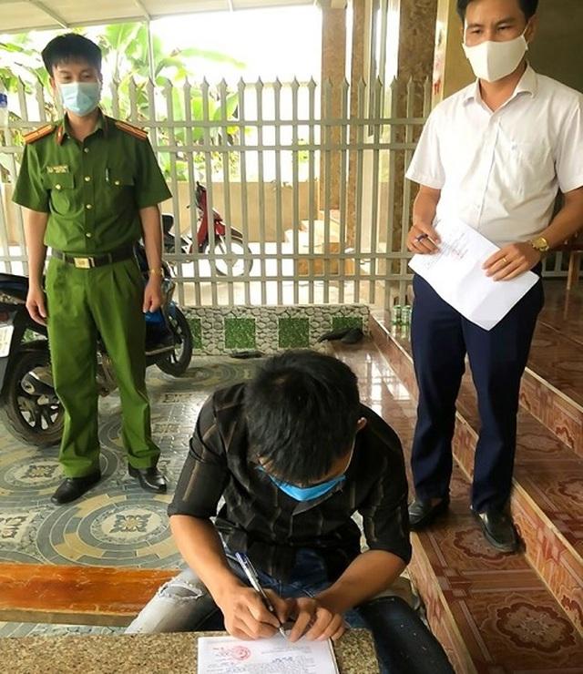 Xử phạt nam thanh niên lẻn ra ngoài khi đang cách ly tại nhà - 1