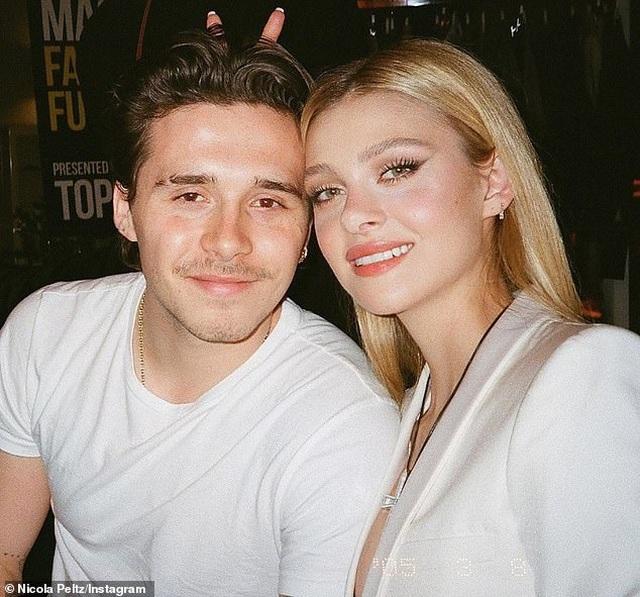 Con trai David Beckham dọn về sống chung với bạn gái - 2