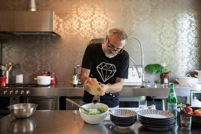 Đầu bếp, giáo viên, DJ thành hiện tượng Internet nhờ Covid-19 - 3