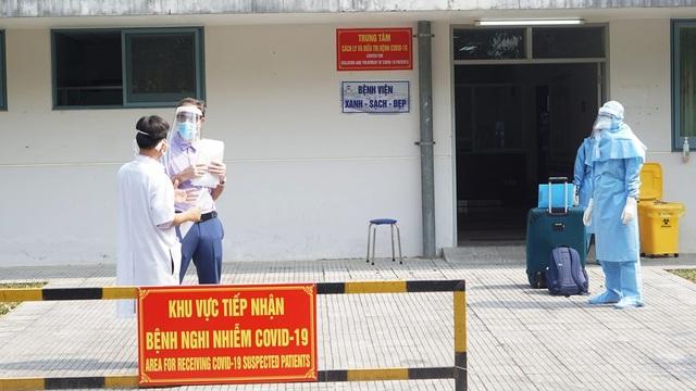 Cho ra viện người bệnh gặp Covid-19 thứ 2 tại Thừa Thiên Huế - 4