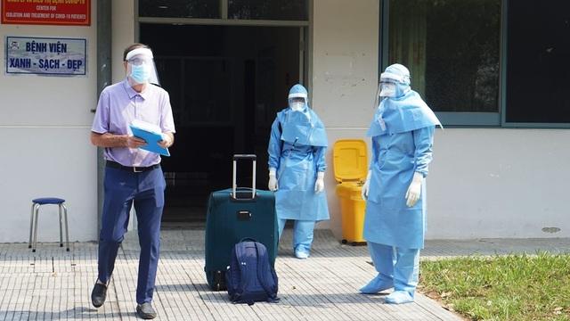 Cho ra viện bệnh nhân mắc Covid-19 thứ 2 tại Thừa Thiên Huế - 2