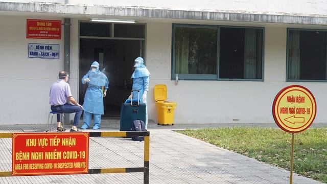 Cho ra viện bệnh nhân mắc Covid-19 thứ 2 tại Thừa Thiên Huế - 1