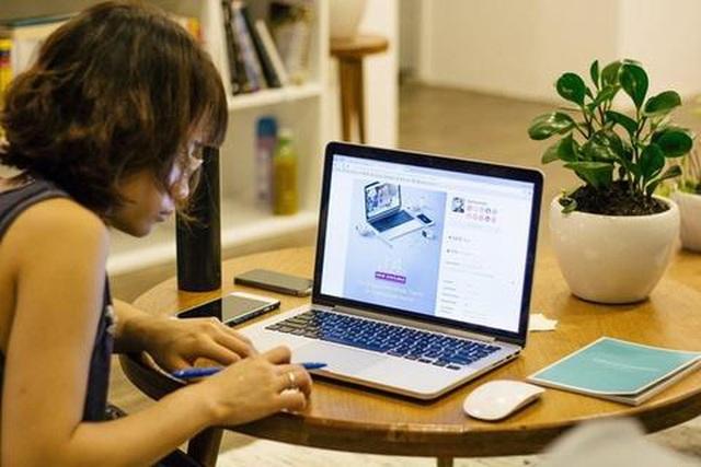 Nở rộ dịch vụ cho thuê máy tính, laptop giá rẻ để chống chọi mùa Covid-19 - 1
