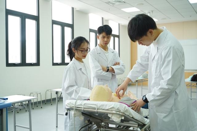Vì sao khoa học sức khỏe chính là nghề nghiệp quan trọng cho tương lai? - 1