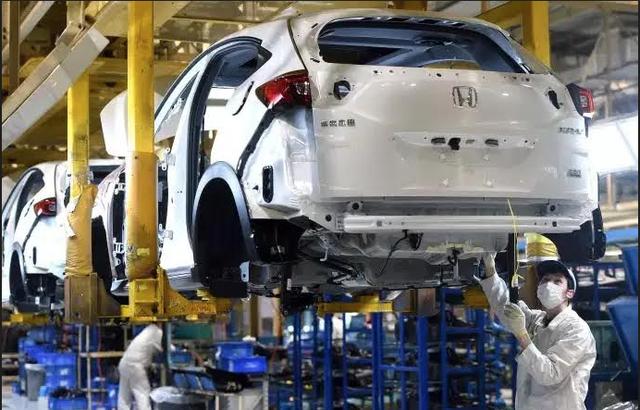 Dự báo thị trường ô tô toàn cầu giảm mạnh vì Covid-19 - 1
