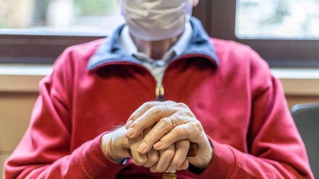 """Cụ ông sinh ra trong đại dịch cúm Tây Ban Nha """"đánh bại"""" virus corona - 1"""