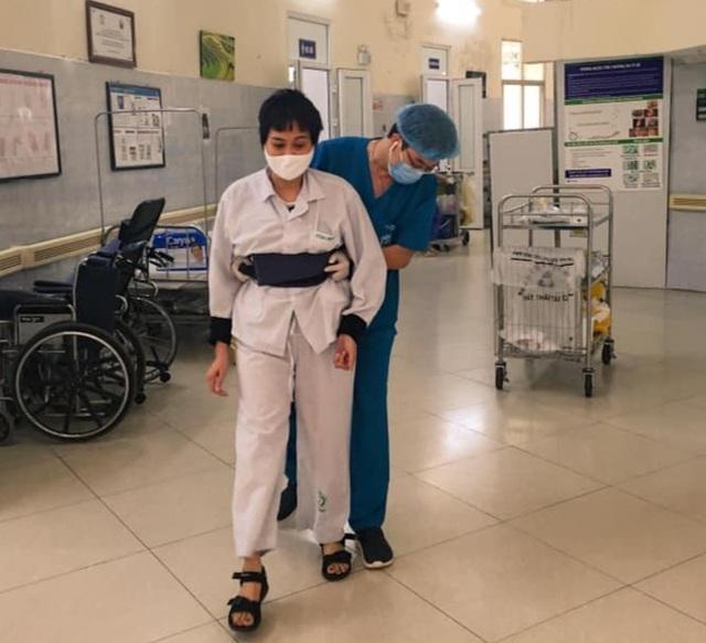 Những hình ảnh cảm động trong bệnh viện giữa tâm dịch Covid-19 - 8