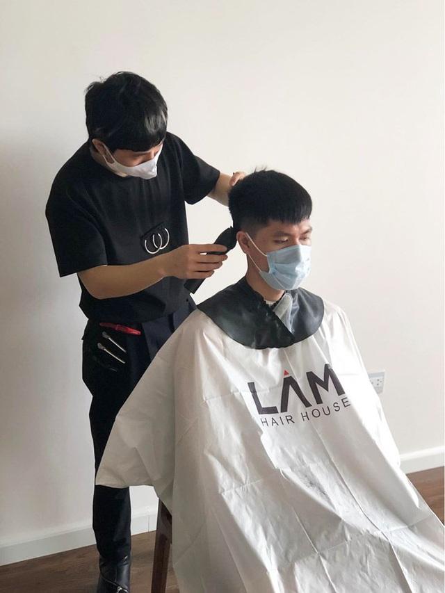 Dịch vụ cắt tóc tại nhà bùng nổ trong mùa dịch Covid-19 - 1