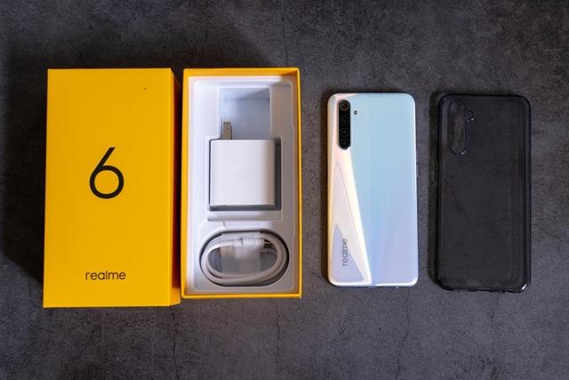 Đập hộp Realme 6 màn hình 90Hz giá từ 6 triệu đồng - 1