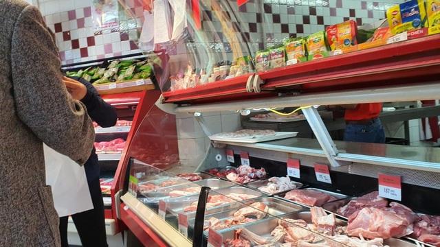 Nhập cả triệu con lợn sống, giá thịt lợn siêu thị vẫn tăng mạnh - 2