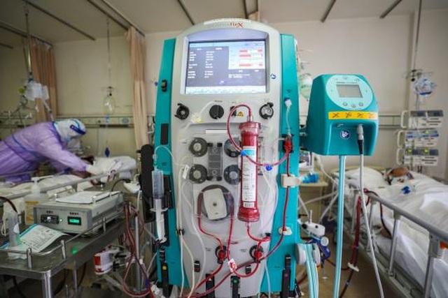 Trung Quốc: Trường ĐH thiết kế máy thở giúp bệnh nhân biến chứng Covid-19 - 1