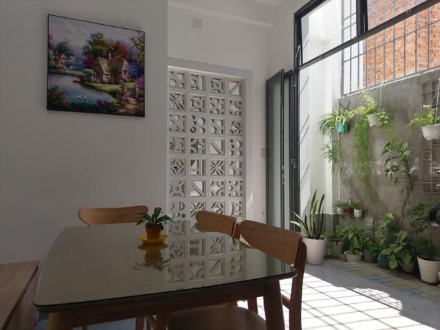 Cặp vợ chồng trẻ ở Nha Trang tự thiết kế nhà giá 900 triệu đồng đẹp mê - 2