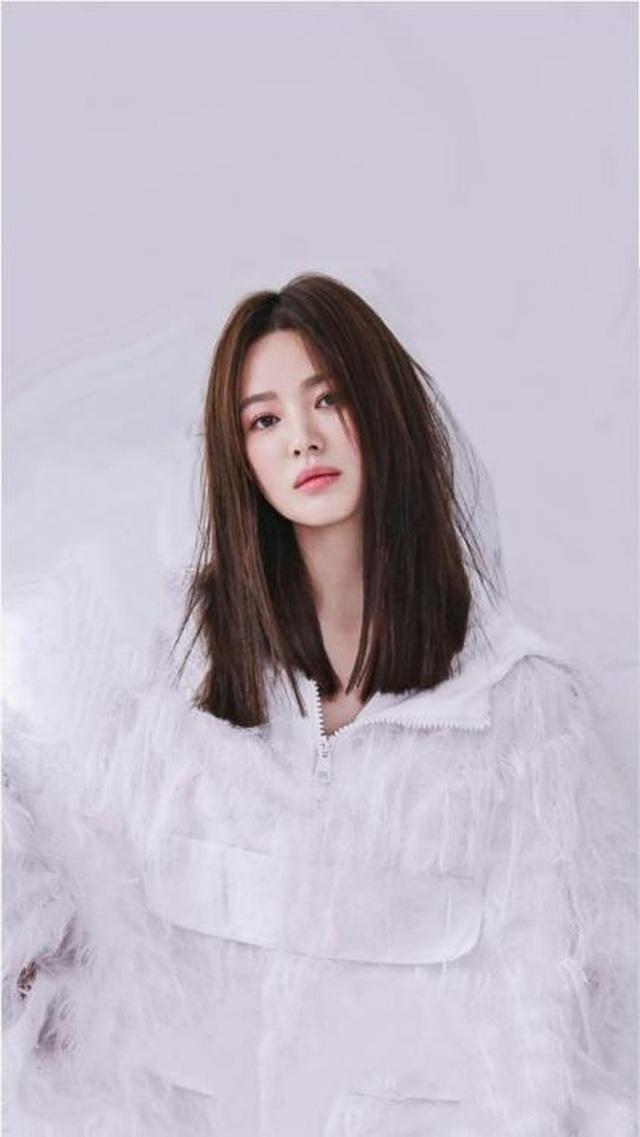 """Song Hye Kyo hậu ly hôn: """"Tôi thích một mình lúc nửa đêm"""" - 1"""