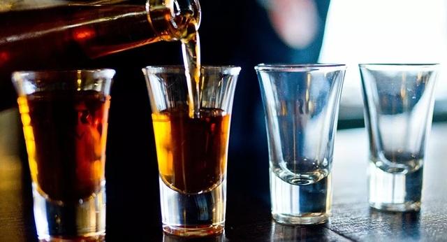 Người cha nghiện rượu ảnh hưởng thế nào đến đưa trẻ khi thụ thai? - 1