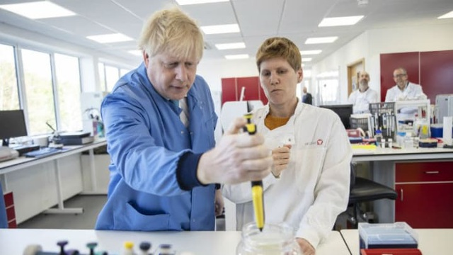 Phát hiện lô hàng kit xét nghiệm do chính phủ Anh đặt có chứa virus corona - 1