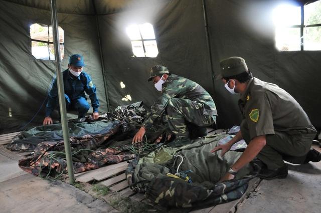 Bộ đội Biên phòng canh đường sông, giữ đường đồng ngăn ngừa dịch Covid-19 - Ảnh minh hoạ 11