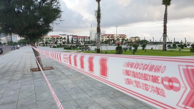 Phú Yên siết chặt quản lý nơi công cộng, bãi biển không một bóng người - 6