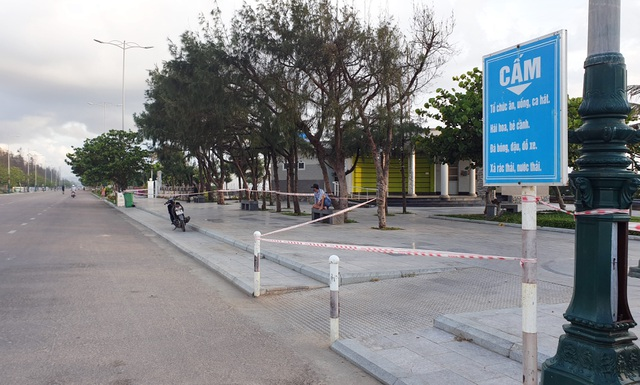 Phú Yên siết chặt quản lý nơi công cộng, bãi biển không một bóng người - 7