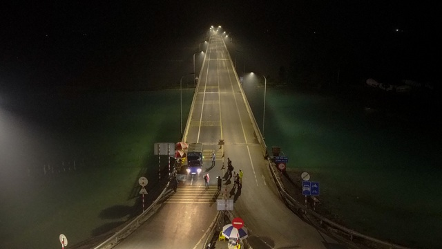 Trắng đêm đo thân nhiệt tại cửa ngõ Phú Thọ tiếp giáp Hà Nội - 1
