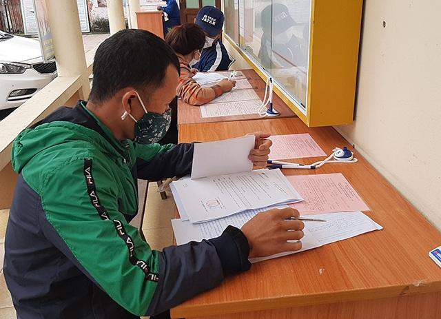 Lao động Nghệ An đăng ký trợ cấp thất nghiệp tăng 18 % vì Covid-19 - 1