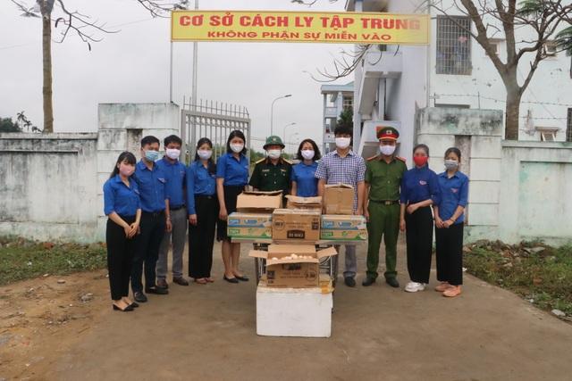"""Tuổi trẻ Nghệ An """"mổ lợn"""", tặng 500 quả trứng cho khu cách ly tập trung - 3"""