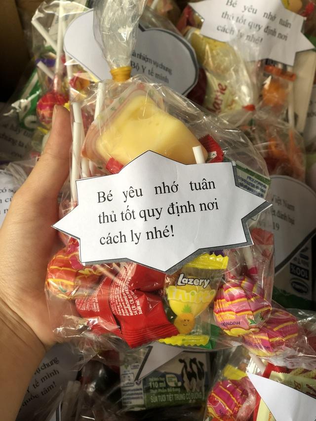 """Tuổi trẻ Nghệ An """"mổ lợn"""", tặng 500 quả trứng cho khu cách ly tập trung - 8"""