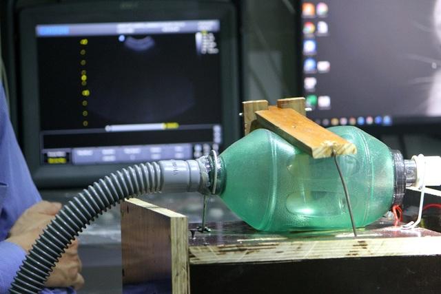 Thử nghiệm loại máy trợ thở khẩn cấp có thể dùng cho bệnh nhân Covid-19 - 2