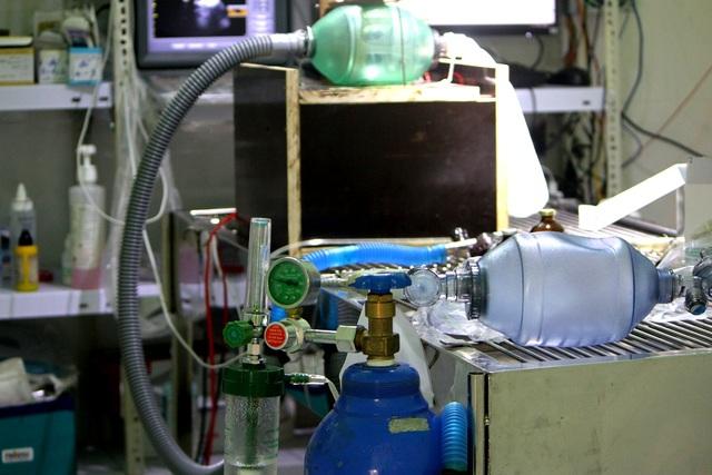 Thử nghiệm loại máy trợ thở khẩn cấp có thể dùng cho bệnh nhân Covid-19 - 1