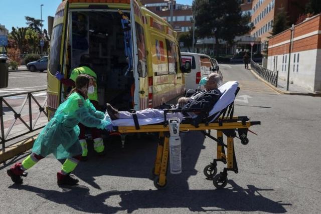 Số ca tử vong vì Covid-19 ở Tây Ban Nha tăng kỷ lục, vượt mốc 10.000 - 1