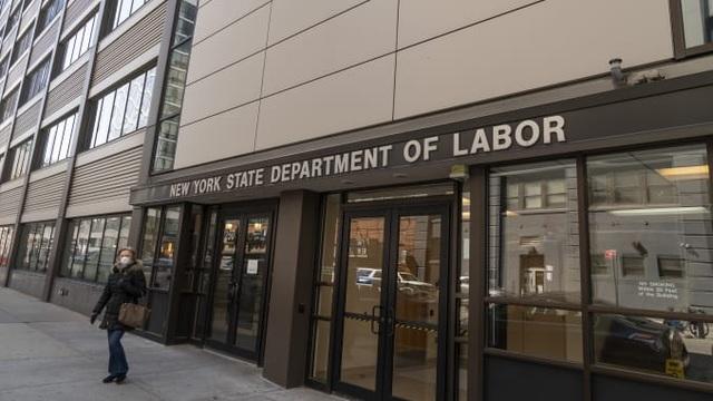 10 triệu người dân Mỹ nộp đơn xin trợ cấp thất nghiệp do đại dịch COVID-19 - 1