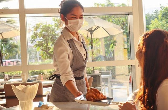300.000 khách sạn mất sạch doanh thu vì bệnh dịch - 1
