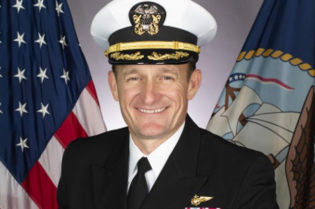 Chỉ huy tàu sân bay Mỹ mất chức sau khi cầu cứu vì Covid-19 - 1