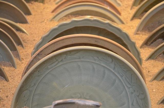 Kinh ngạc kho cổ vật trên tàu cổ 700 năm tuổi - 7