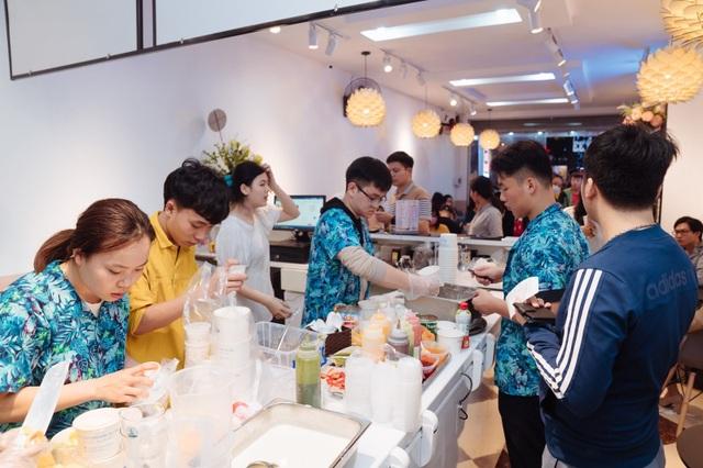 Sữa Chua Trân Châu Hạ Long ủng hộ hàng nghìn bộ đồ bảo hộ cùng gạo và tiền mặt - 1