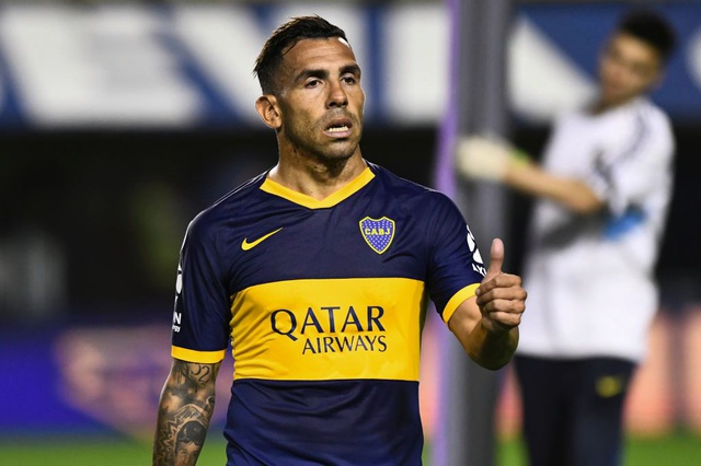 """Carlos Tevez: """"Giới cầu thủ có thể sống cả năm không cần lương"""" - 1"""