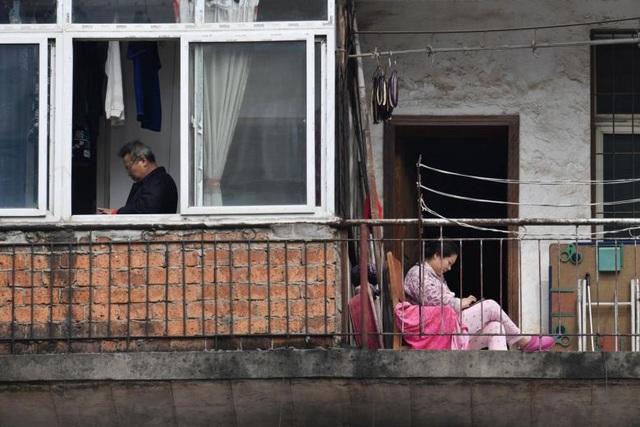 Đại sứ Trung Quốc lý giải hàng nghìn bình tro cốt ở tâm dịch Vũ Hán - 3
