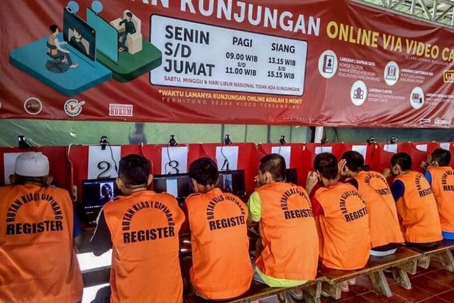 Indonesia sẽ thả hơn 30.000 tù nhân ngăn Covid-19 lây lan - 1