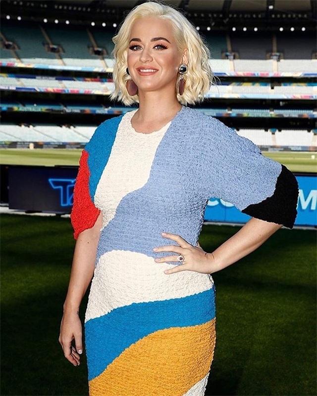 Katy Perry tiết lộ giới tính đứa con trong bụng - 1