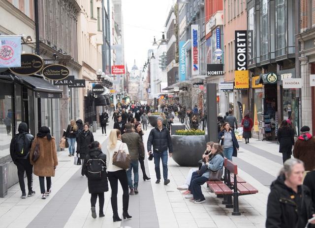 """Vì sao Thụy Điển không """"sốt sắng"""" chống dịch Covid-19? - 1"""