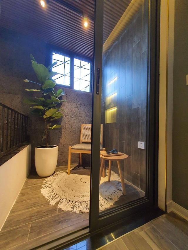 Biến ngôi nhà nhỏ ở Đà Nẵng trở thành khu vườn tràn ngập cây cối - 11