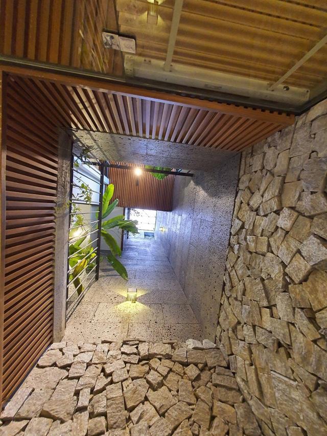 Biến ngôi nhà nhỏ ở Đà Nẵng trở thành khu vườn tràn ngập cây cối - 5