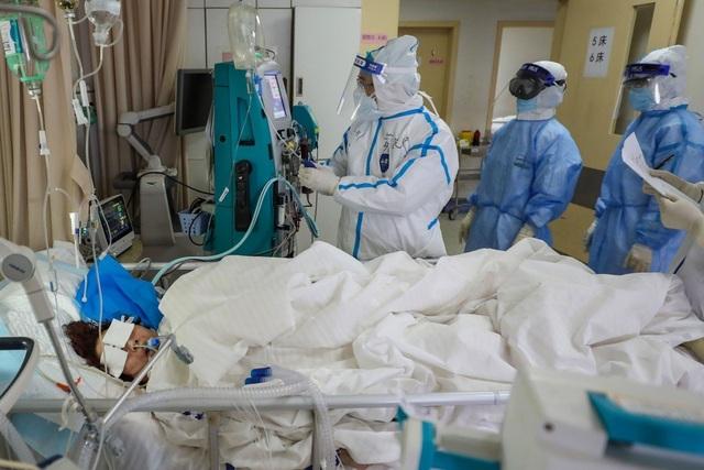 Chuyên gia: Người trẻ có nguy cơ cao tái nhiễm virus corona hậu điều trị - 1