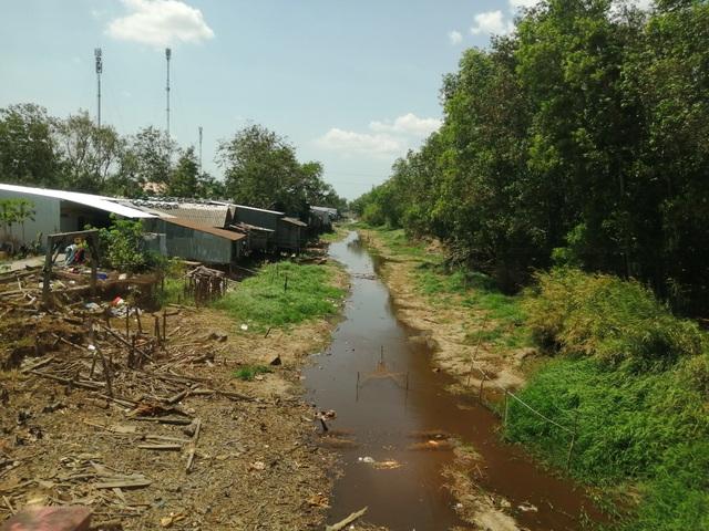 Hơn 1.100 điểm sụt lún do khô hạn - 3