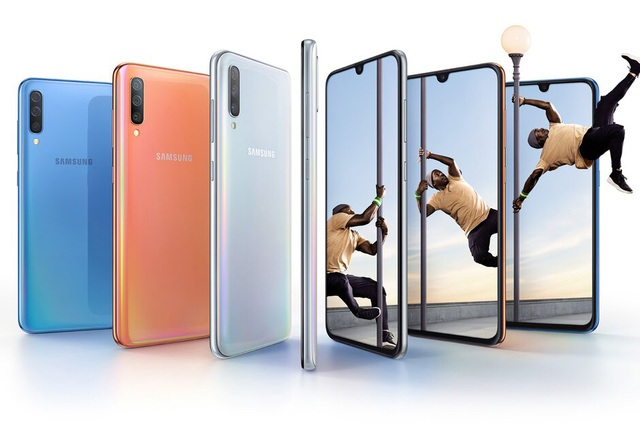 Samsung tặng smartphone, máy tính bảng trong mùa dịch Covid-19 - 1