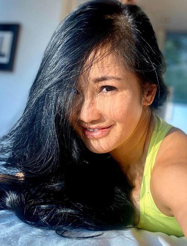 Sống tích cực mùa Covid- 19: Sao Việt tập gym, yoga, chăm sóc da tại nhà - 1