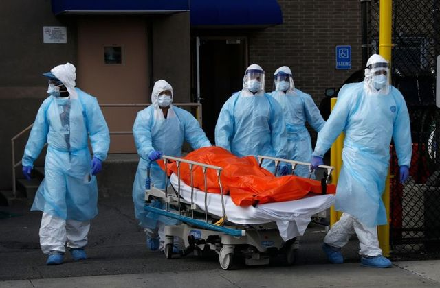 Số người mắc Covid-19 ở Mỹ vượt 300.000, hơn 8.000 người chết - 1