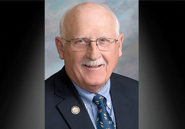 Mỹ: Nghị sĩ bang Nam Dakota chết vì Covid-19 - 1